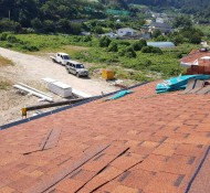 인천옹진군 소야도 철구조. 단열 좋은센드위치판넬  시공 지붕은 싱글로 마무리